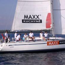 Předstartovní příprava na lodi Maxx kuchyně.