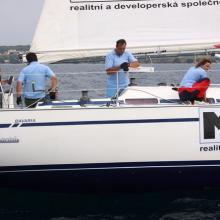 Příprava na start první rozjížďky na lodi Max Real.