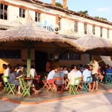 Na Sali už na závodníky čekal oblíbený bar a příjemné městečko.