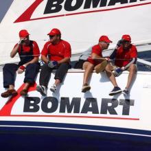 Bomart se přibližuje ke startu třetí rozjížďky.