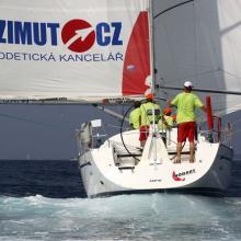 Azimut.cz na zadní vítr ve třetí rozjížďce Stavební regatty 2010.