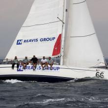 HB Reavis dokončuje devátý ve třetí rozjížďce Stavební regatty 2010.