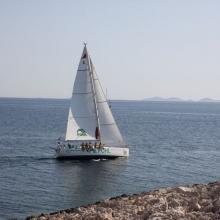Posádka POHL při jízdě proti větru.